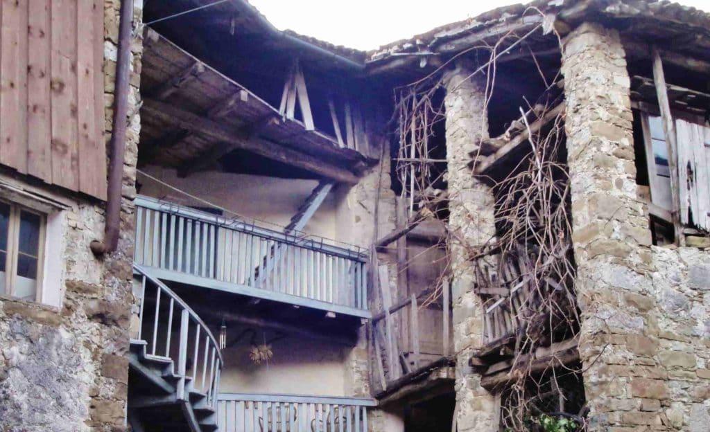 Caseggiati del borgo abbandonati