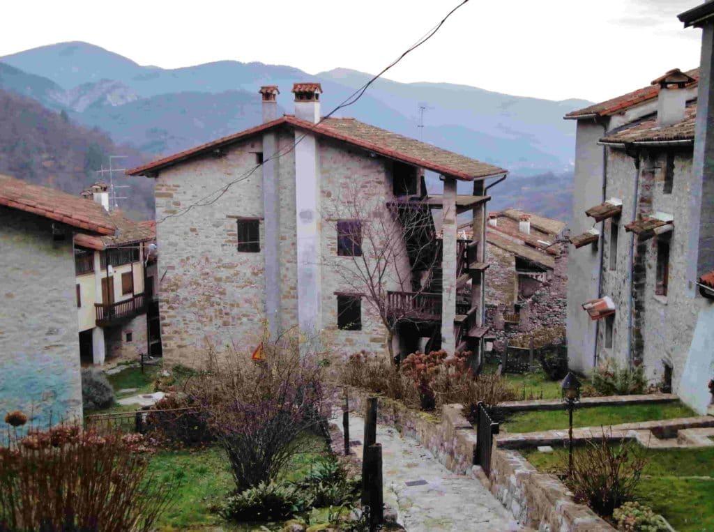 I vicoli del borgo di Poffabro