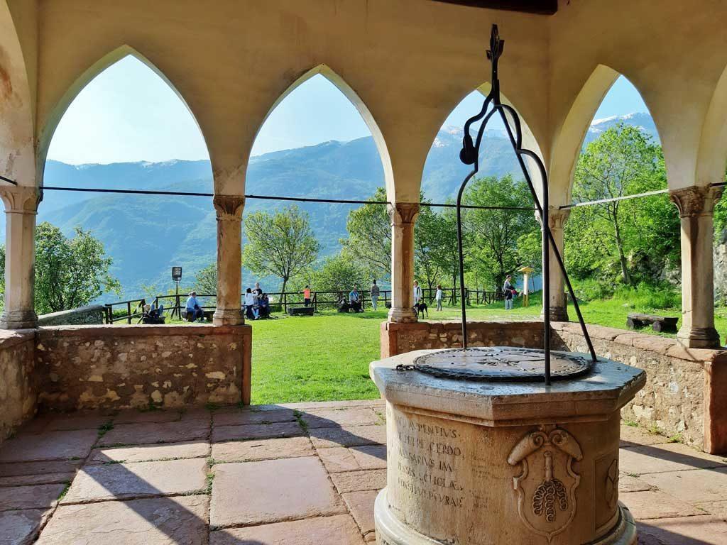 Serravalle e la loggia del santuario di Sant'Augusta