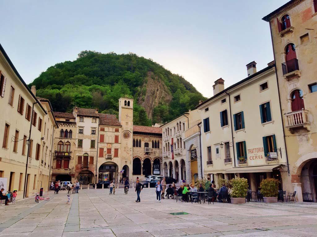 La Piazza Flaminio a Serravalle