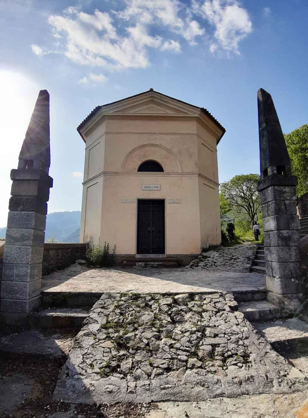 Il sentiero verso il santuario di Serravalle