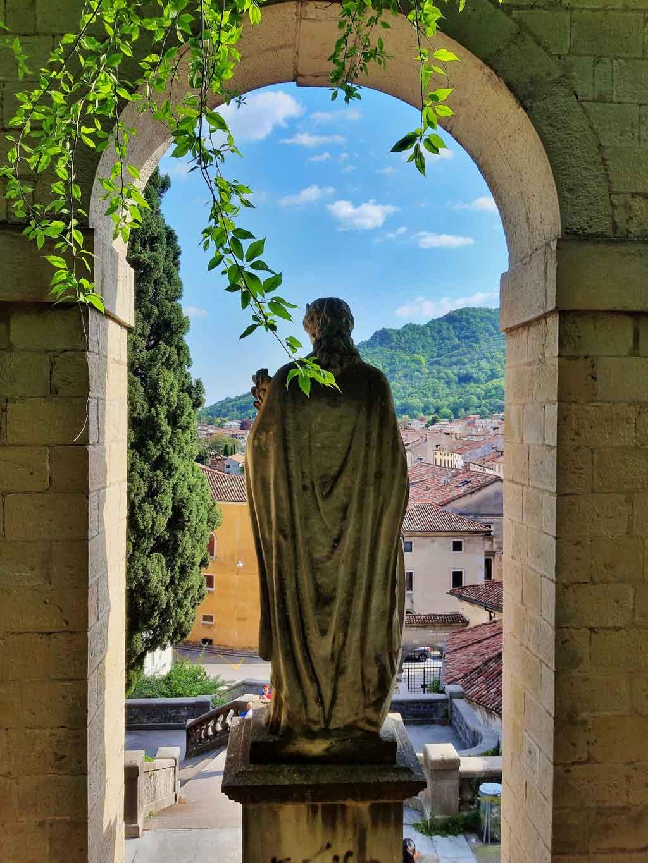 Serravalle e la statua di Sant'Augusta
