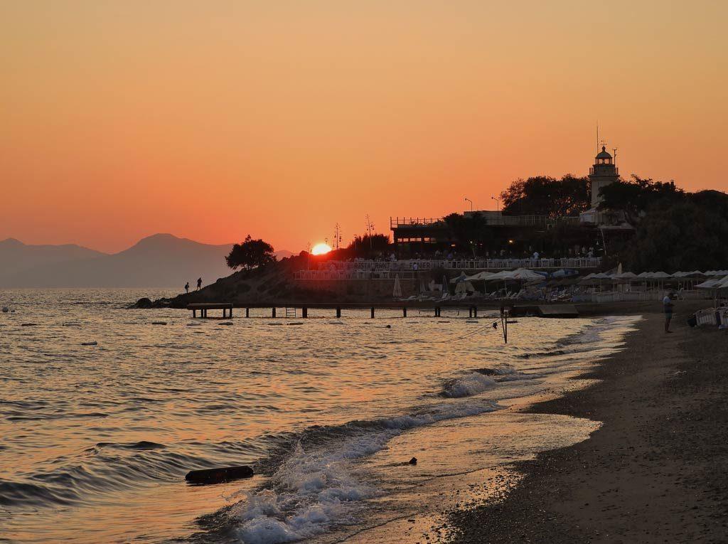 Il tramonto di Bodrum sulla baia di Akyarlar