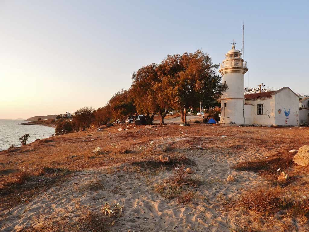 Il faro di Hüseyin Burnu sulla baia di Akyarlar a Bodrum