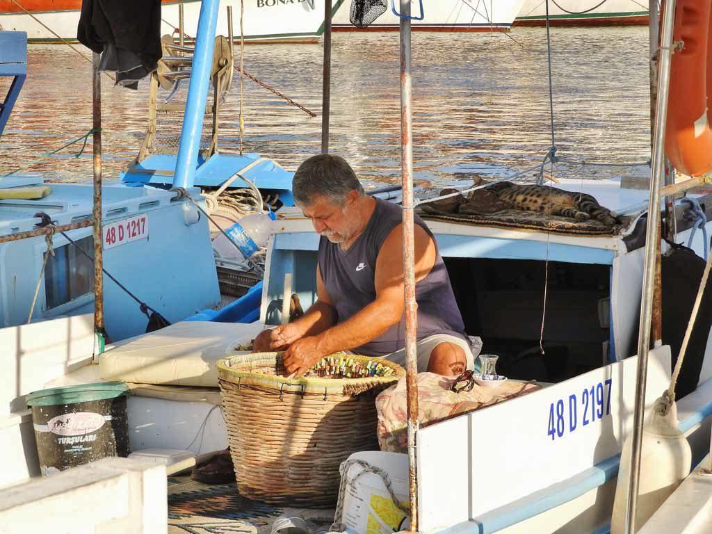 Un pescatore a Turgutreis