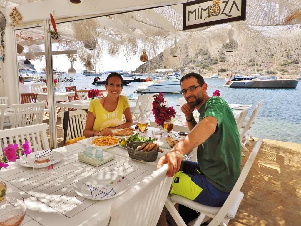 Ristorante Mimoza a Gümüşlük, pranzo di pesce di fronte all'Isola dei Conigli