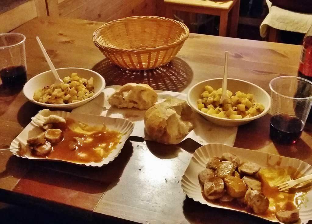 Piatti tradizionali ai mercatini di Natale di Klagenfurt