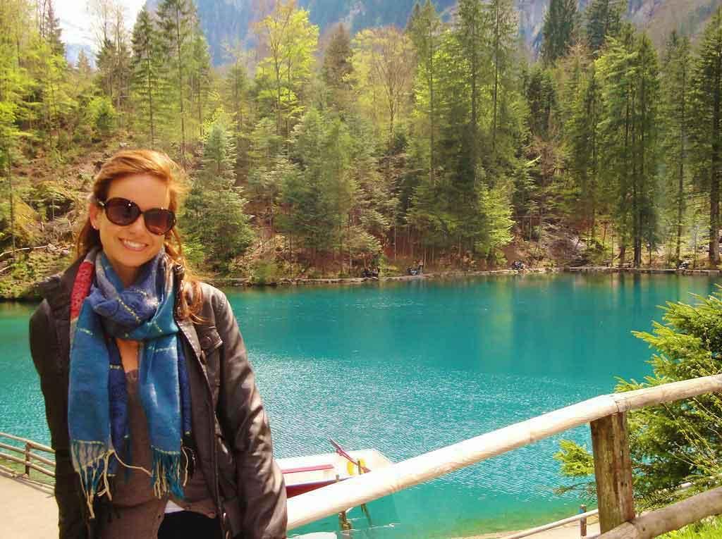 Il Blausee tra i laghi più belli della Svizzera
