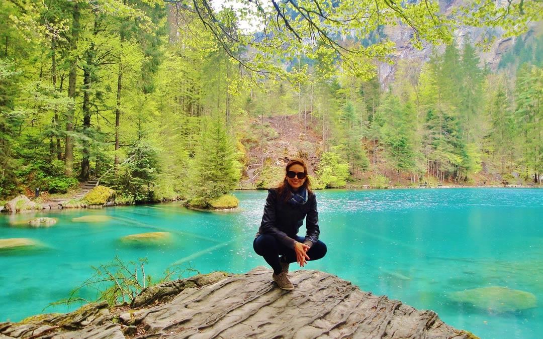 Blausee il lago blu in Svizzera